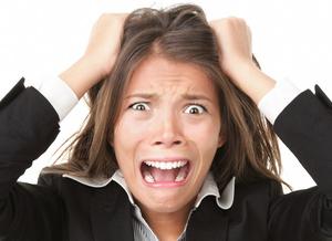 Hashimoto und Gesundheit - gestresste Frau